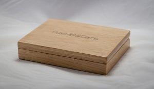 pure_metal_cards_wood_presentation_natural oak case_img_6793
