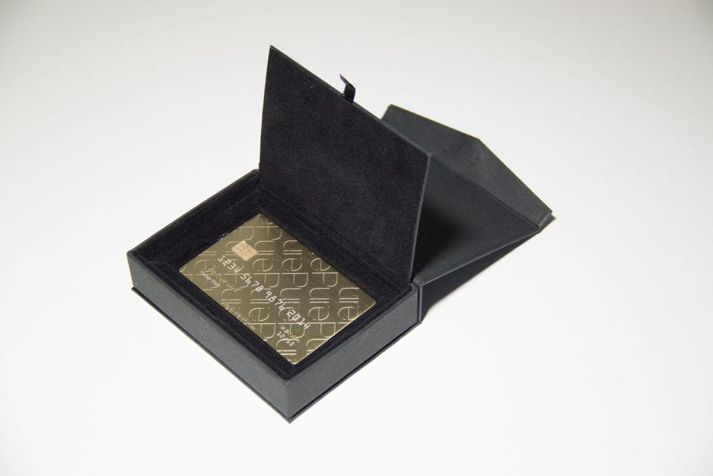 pure metal cards black cardboard presentation case_9