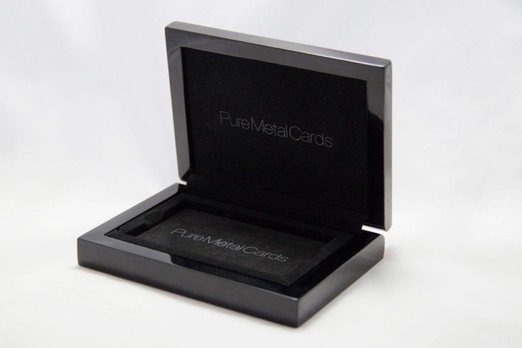 Pure Metal Cards single card presentation case